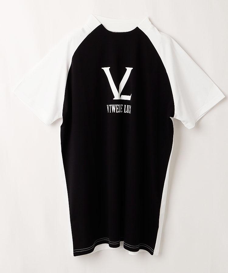 VI ロゴプリント◆モノトーン半袖カットソー